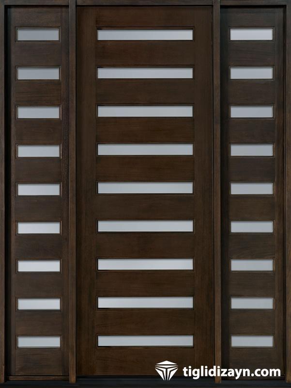 Çizgili ahşap kapı dizaynı